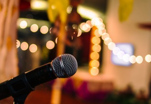 Primo piano di un microfono