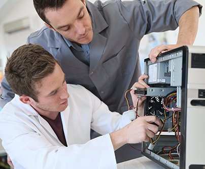 Certified EWRB professional repairing the computer system