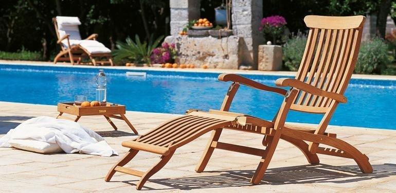 arredo in legno per piscina Pisa