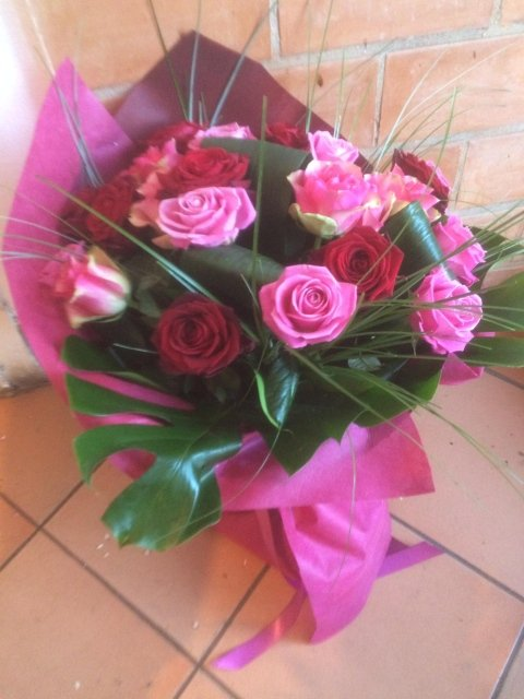 Mazzo 18 Rose Rosse e Rosa