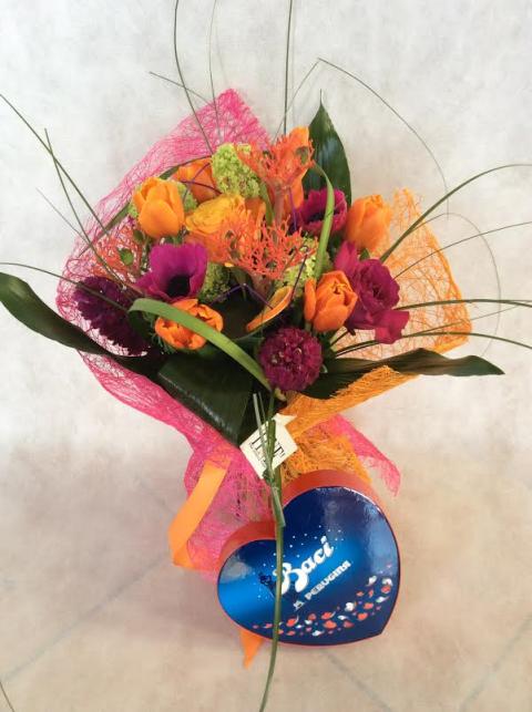 Bouquet Corallo con essenza di mandarino di Sicilia con Cuore di Baci Perugina