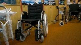 vendita carrozzine, negozio carrozzine, poltrone articolate a rotelle