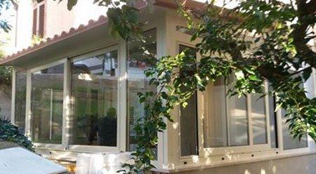 veranda con rampicanti