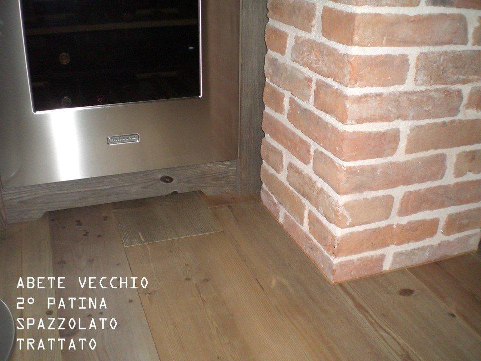 pavimento di abete vecchio 2° patina: spazzolato, trattato