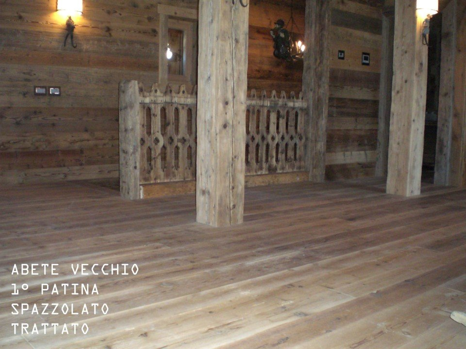 pavimento di abete vecchio 1° patina: spazzolato, trattato