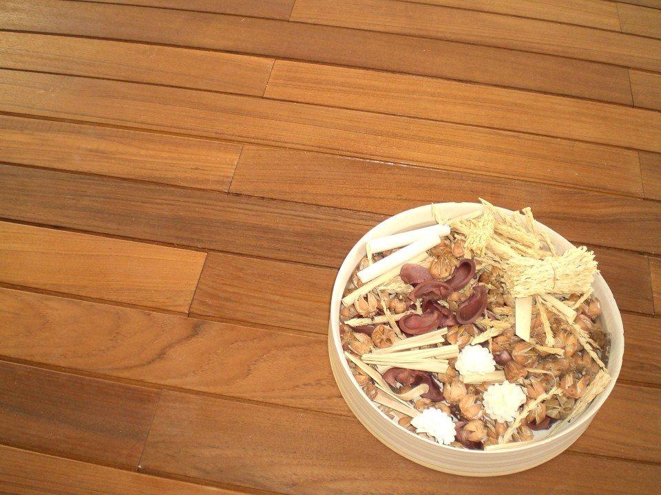 idee pavimento: diversi tipi di legno