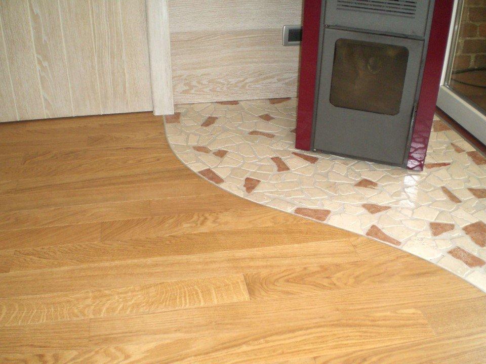 idee pavimento misto in rovere e ceramica
