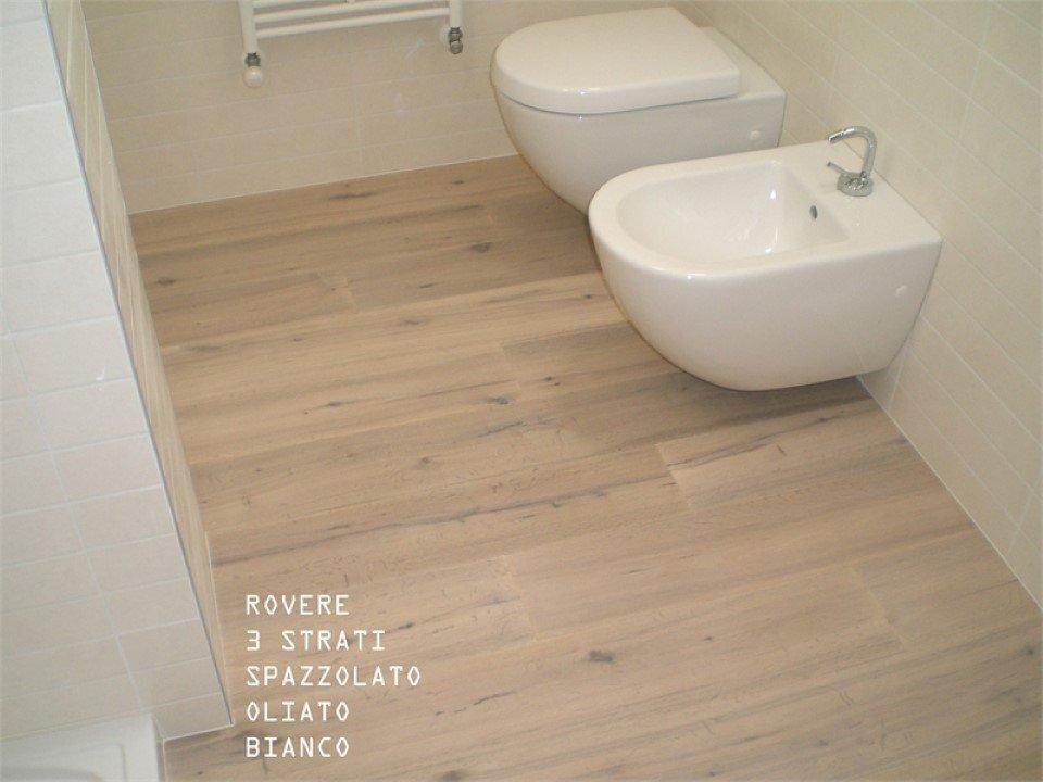 pavimento in rovere a 3 strati: spazzolato, oliato, bianco