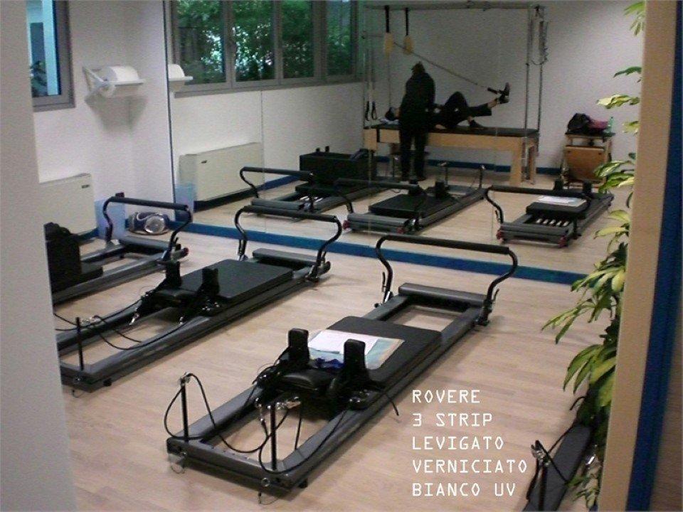 pavimento in rovere  3 strip: levigato, verniciato, bianco, UV