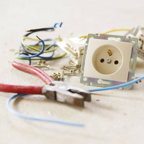 Plugs and wires
