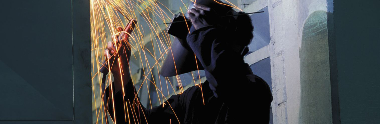 Man providing welding services in Lincoln, NE
