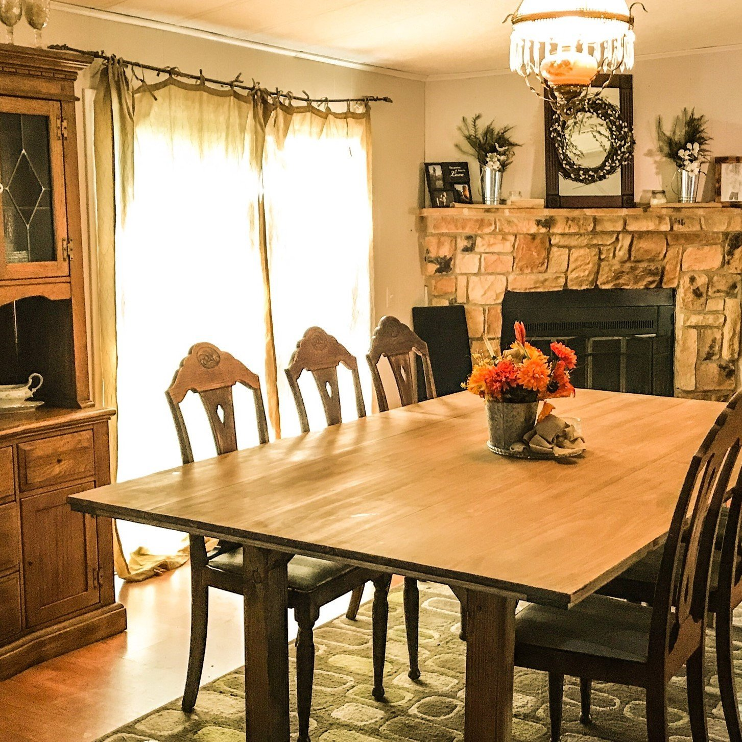 Making Your Mobile Home Feel Like Home - ustin Mobile Homes on home office decorating ideas, formal dining room design ideas, home study decorating ideas, home entertainment decorating ideas, dining room makeover ideas, living room dining room combo design ideas, round table in dining room ideas, country dining room ideas, cozy dining room ideas, red color paint living room ideas, dining room color ideas, neutral kitchen design ideas, home theater room design small space, orange and brown dining room ideas, home garden decorating ideas, home studio decorating ideas, home staging dining room, bedroom decorating ideas, elegant dining room ideas,