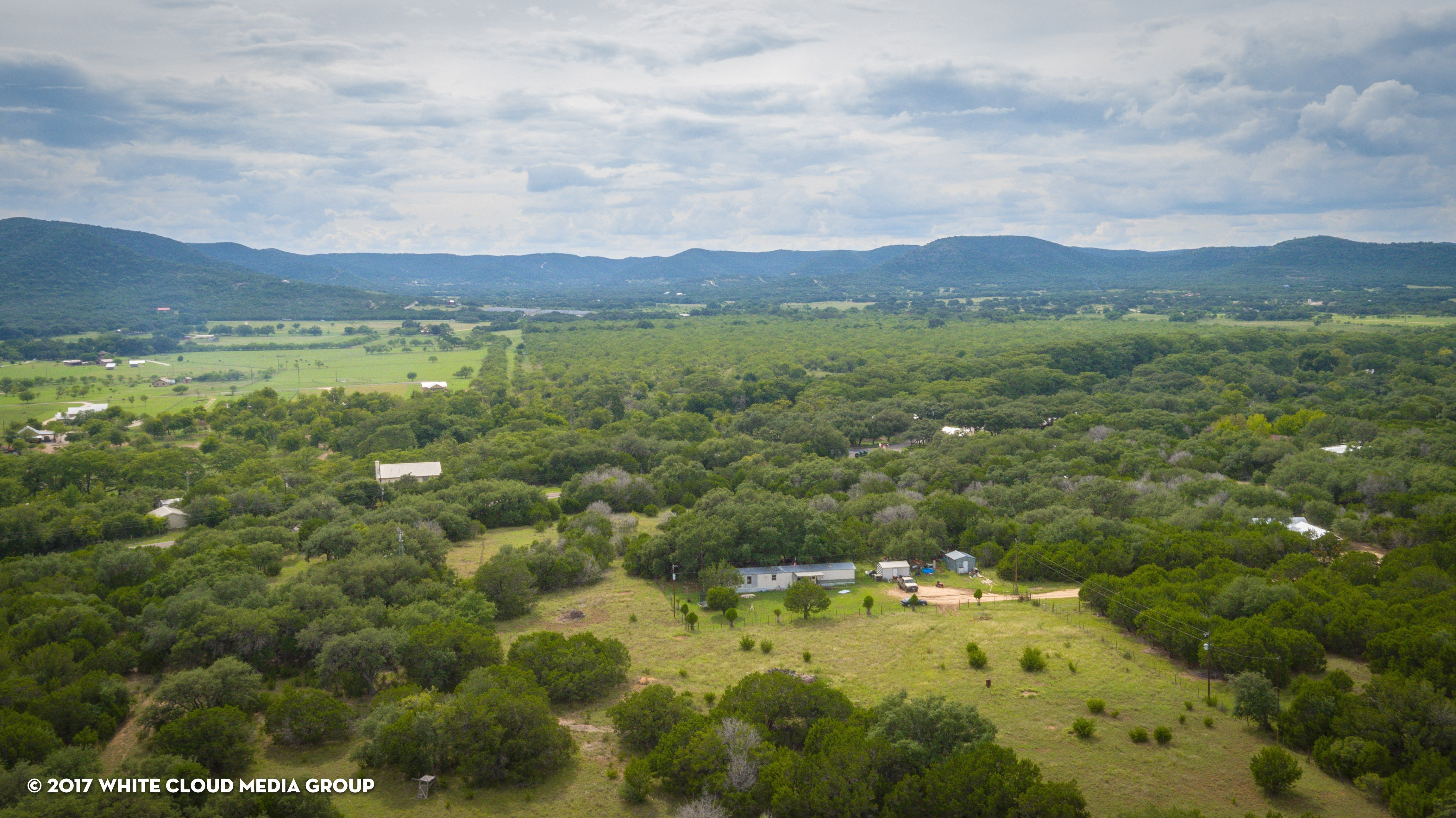 New singlewide mobile home on land near San Antonio. There are many options for homebuyers looking for land for their new mobile home around the San Anotnio, TX area.