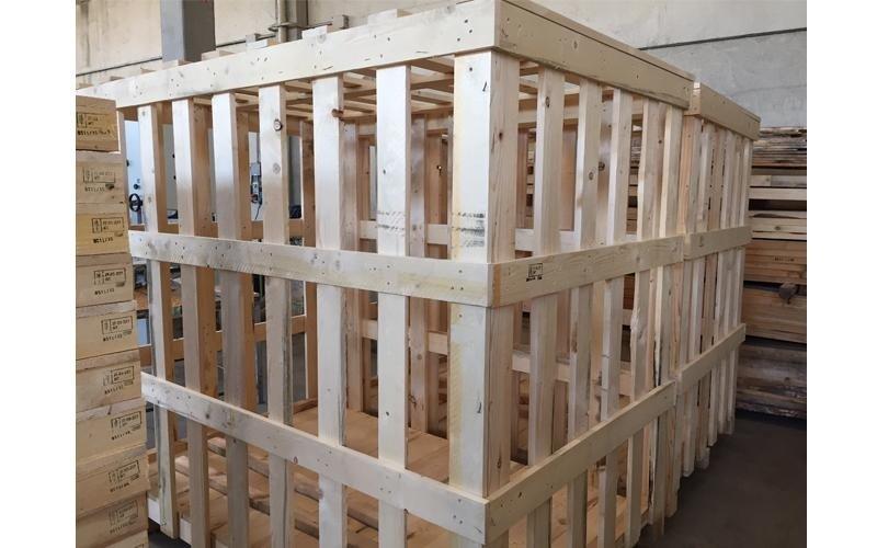 gabbia in legno