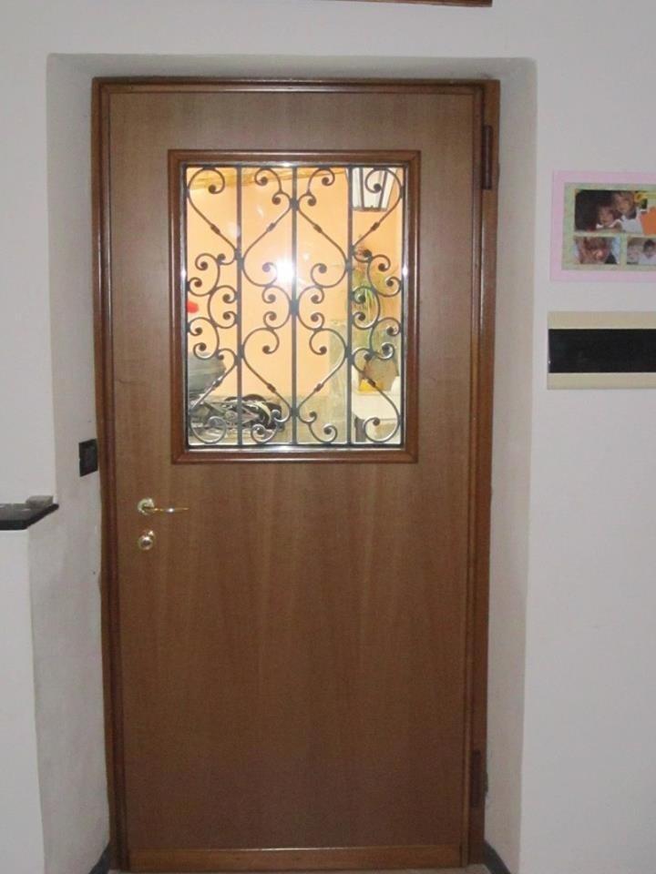 Carpenteria metallica blindovetro genova lcm di - Porte in vetro da esterno ...
