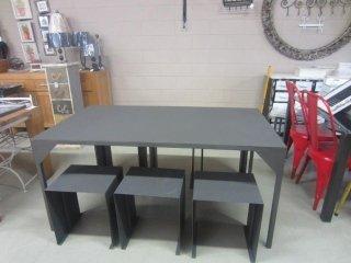 tavoli in ferro