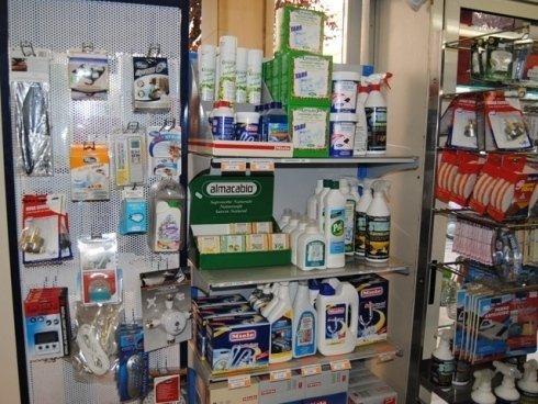 Prenditi cura dei tuoi elettrodomestici utilizzando detersivi e detergenti professionali.