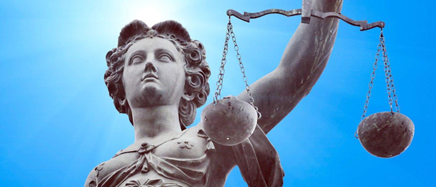 Dea della giustizia a Massa