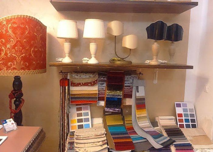 lampade da tavolo e pantone colori