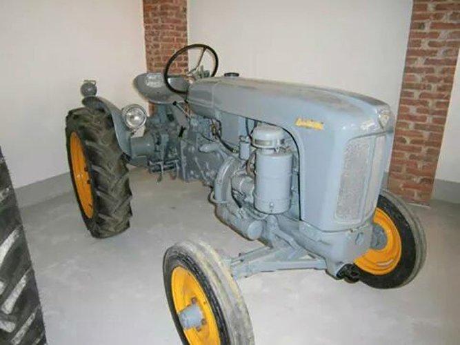 Restauro trattore d'epoca