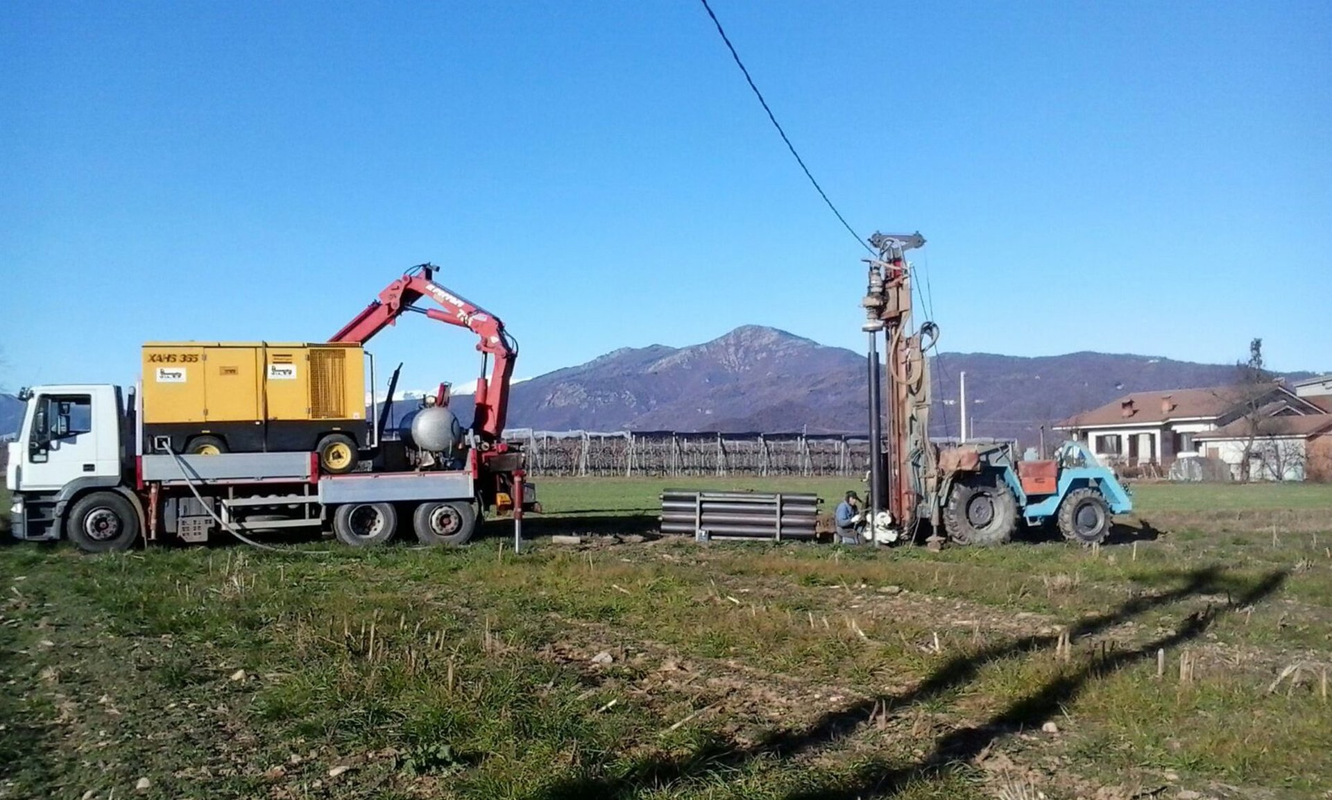 Impianto di perforazione della trivellazione dell'acqua montato trattore e camion montato gru