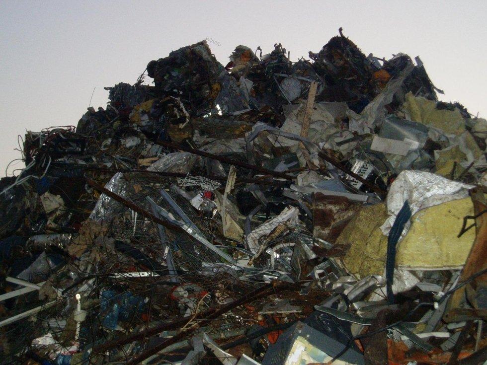 stoccaggio rifiuti da edilizia
