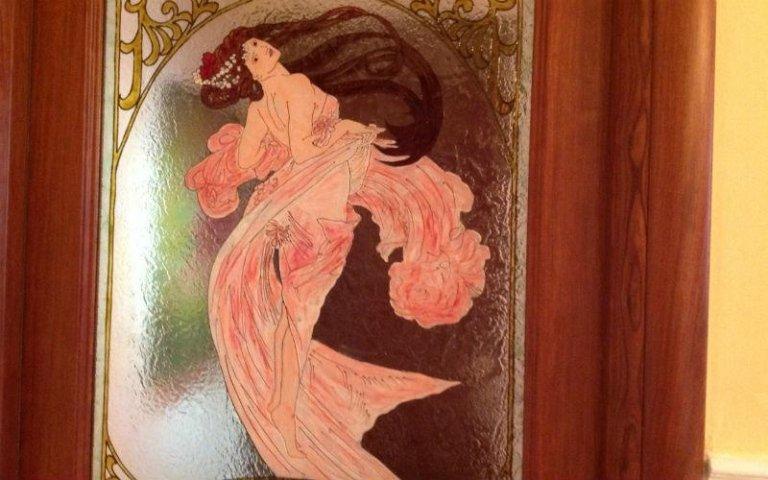 porta decoro donna su vetro