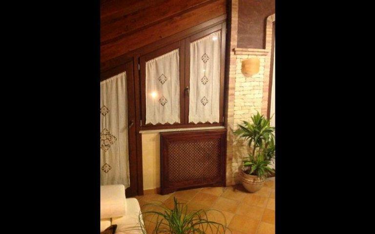 parete mansarda in legno