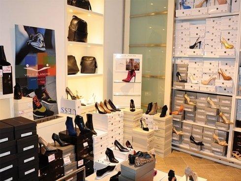 calzature di marca, punto vendita scarpe, negozio di scarpe