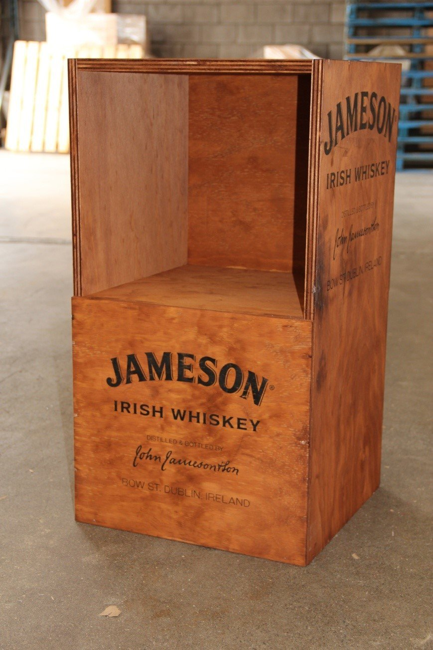 custom wooden whiskey case