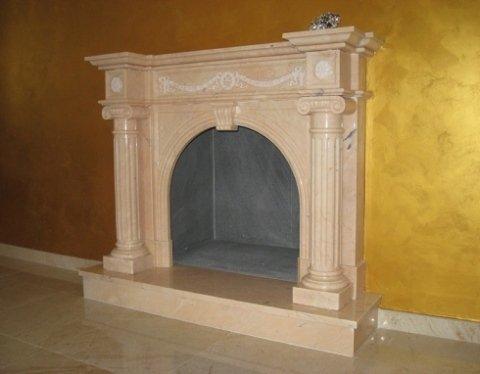 colonne in marmo, rivestimento scolpito, lavorazione marmo