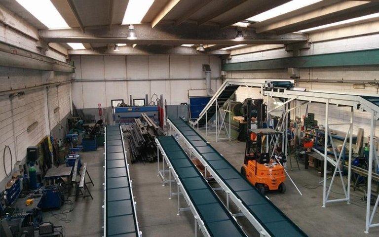 Catena di montaggio per fabbriche