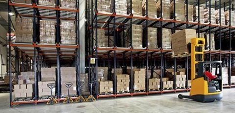 macchinari per magazzinaggio merci