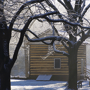 historic-bethabara-park-log-house-christmas