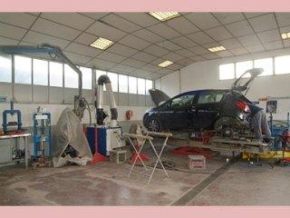 riparazione di veicoli