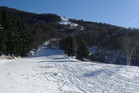 Durante la stagione invernale puoi praticare sport nella neve.