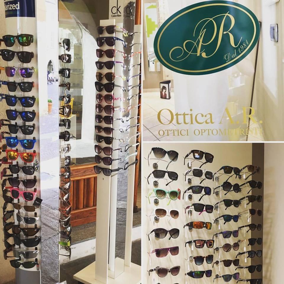 esposizione occhiali in negozio