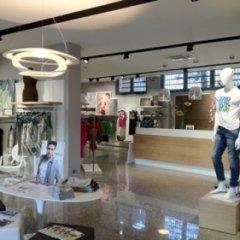 allestimento, negozio abbigliamento