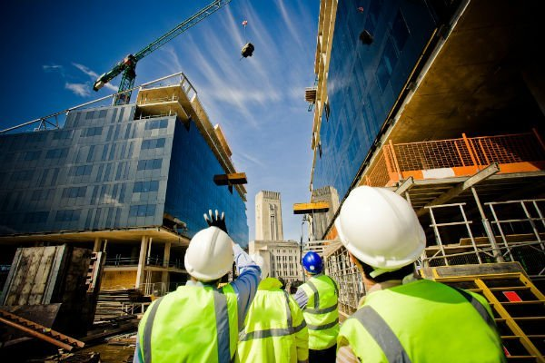 fasi di costruzione di un palazzo