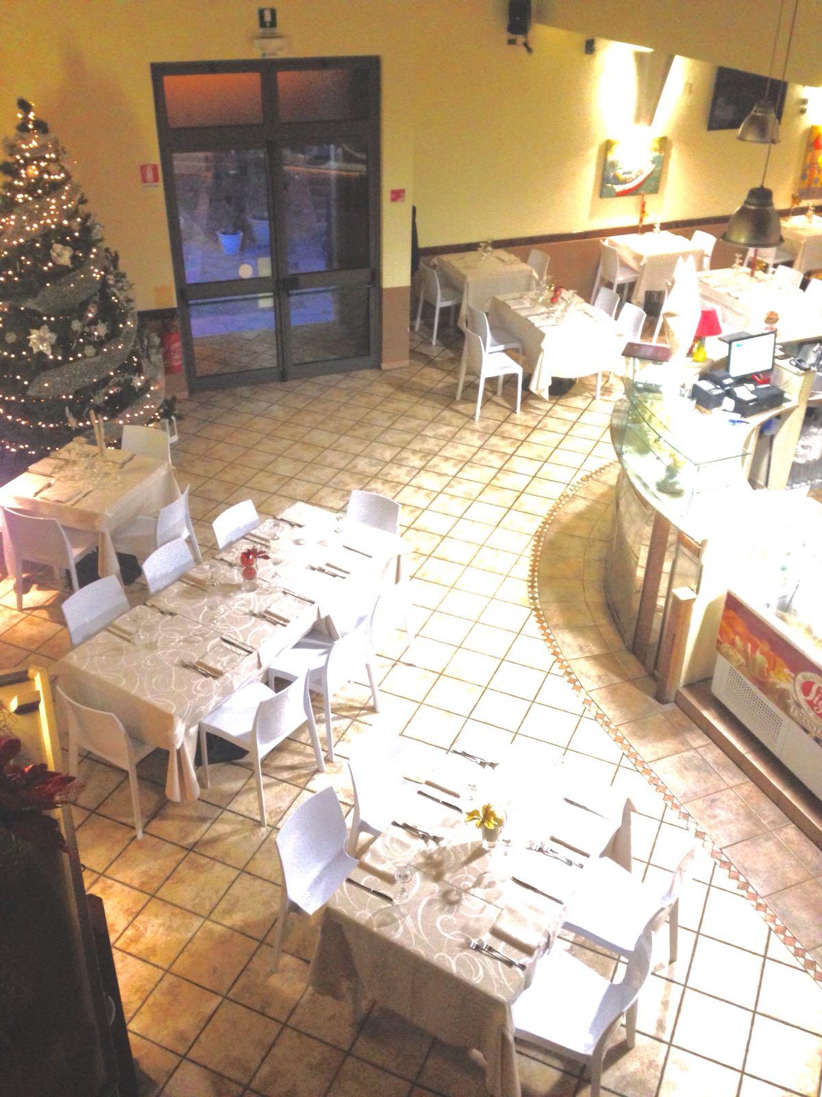 interno di un ristorante dall'alto
