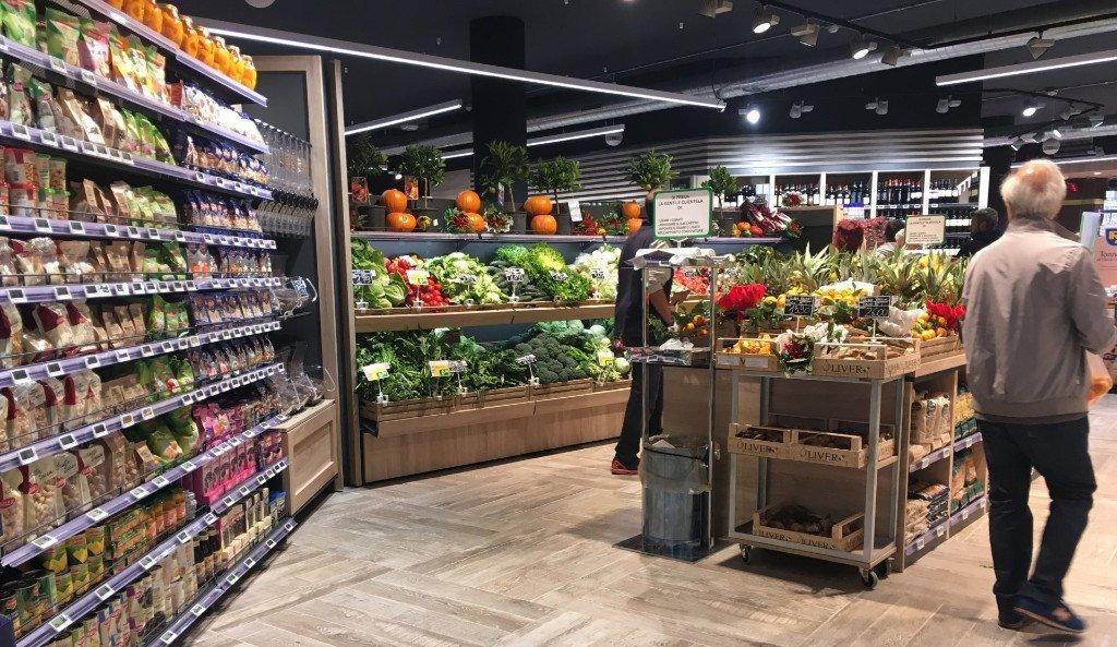 Arredamenti per negozi roma consonni arreda for Consonni arredamenti