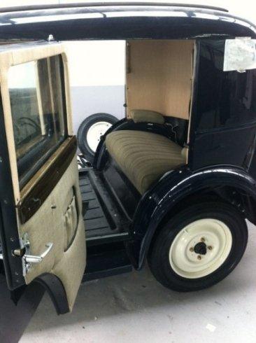 lavori di ripristino tappezzeria, restauro interni auto d'epoca, tappezzeria auto in stoffa