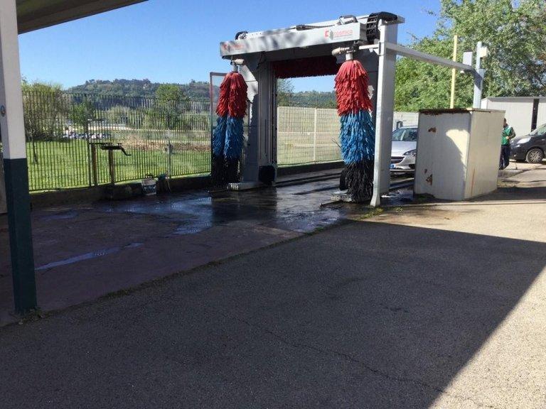 Autolavaggio, servizio pulizia auto, car wash, Forano, Rieti, Roma Nord,
