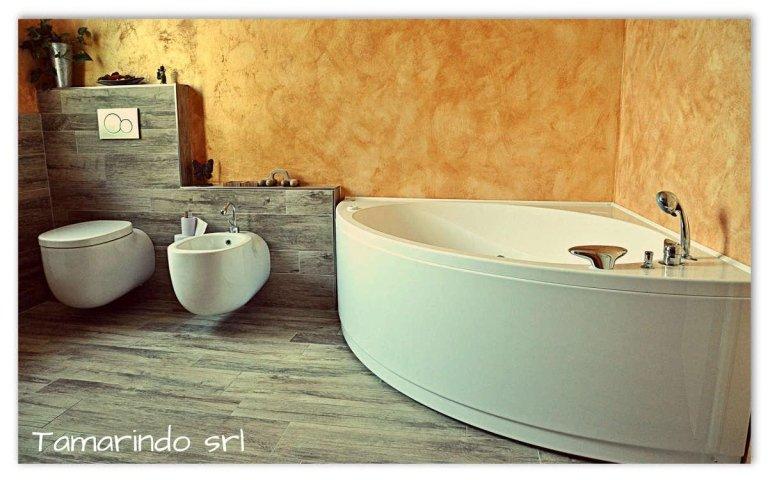 Bagno semplice e luminoso – Vercelli