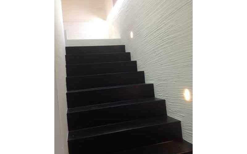 scalinata nera