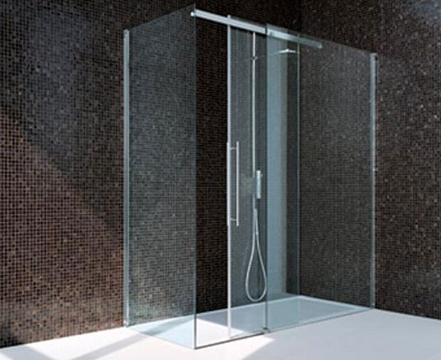 box doccia in vetro con arredo bagno