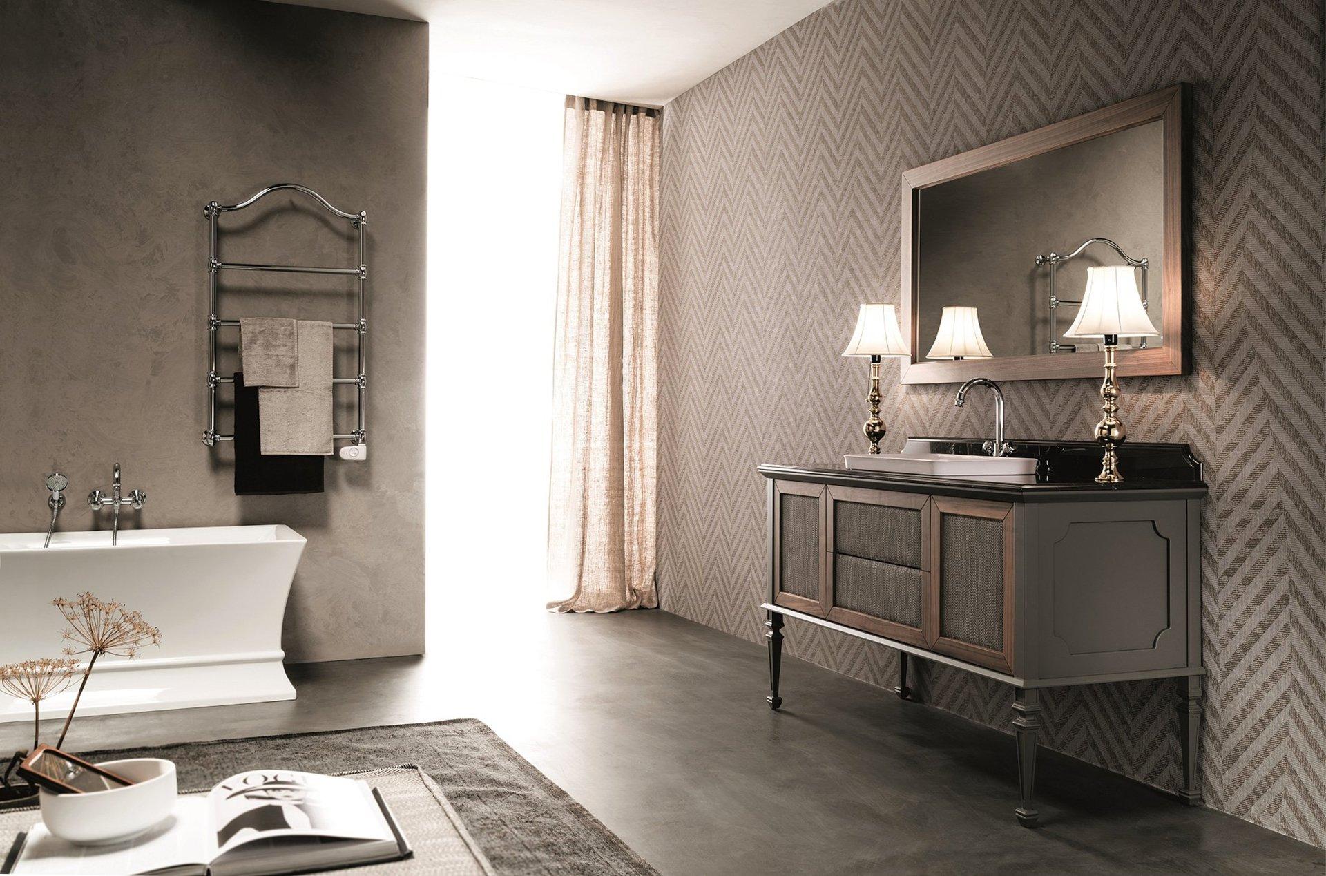 bagno elegante in stile contemporaneo con arredamento