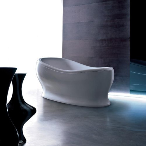 vasca da bagno in stile a centro stanza