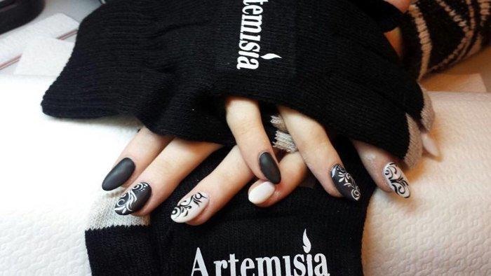 unghie dopo un trattamento presso Artemisia