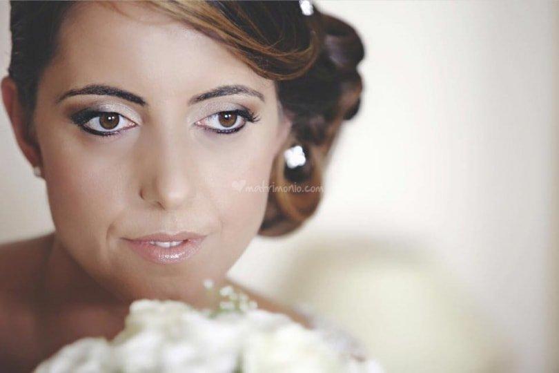 primo piano di una sposa